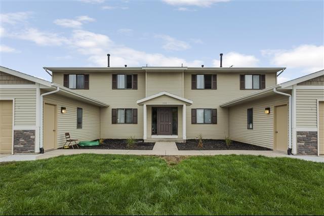 house for rent in 198 w division st ne rockford mi